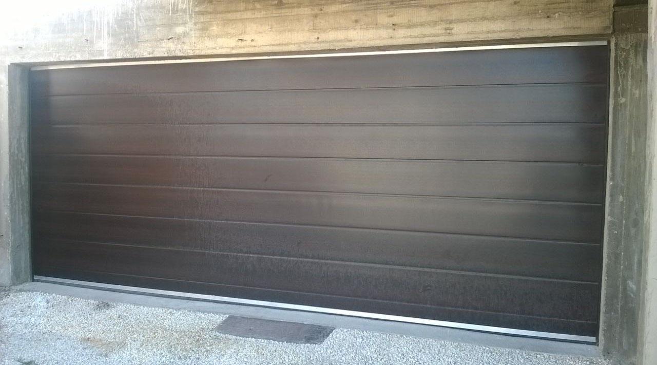 Автоматична секционна врата