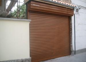 Автоматична ролетна врата