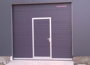 Автоматична секционна гаражна врата 1